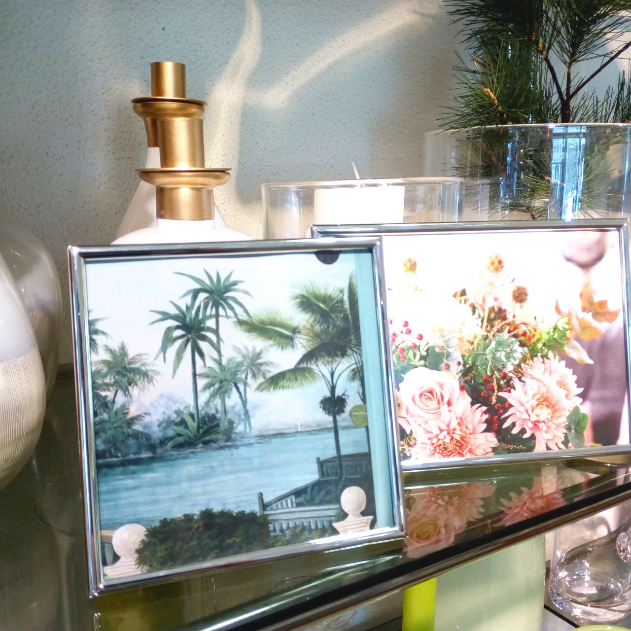Wohnstudio Dekoration Geschenkideen Bilderrahmen Vasen Blumen Glas Quadrat