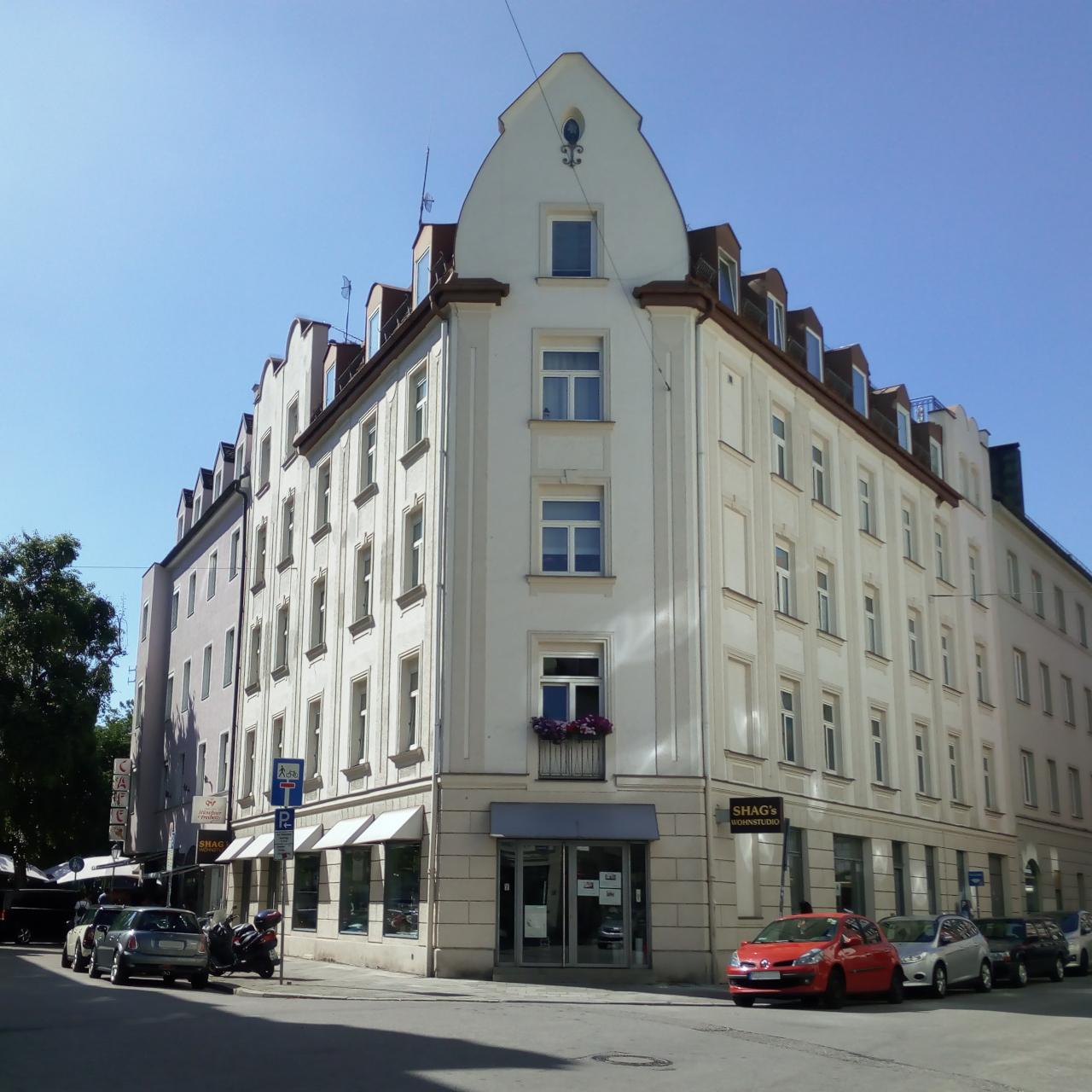 Wohnstudio München Schwabing Schlafsofas Eckgruppen Sessel Quadrat